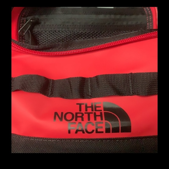 The North Face base camp travel canister New
